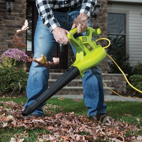 sbj603e electric leaf blower and mulcher lifestyle