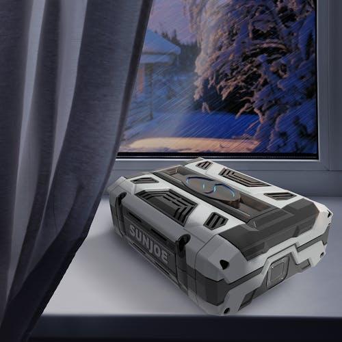 iON100V-2.5AMP lifestyle