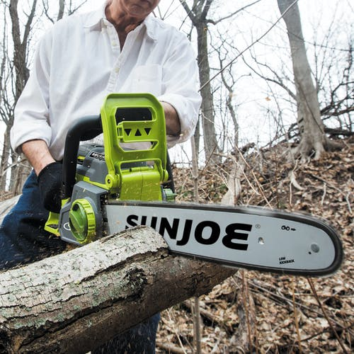 iON16CS cordless chainsaw
